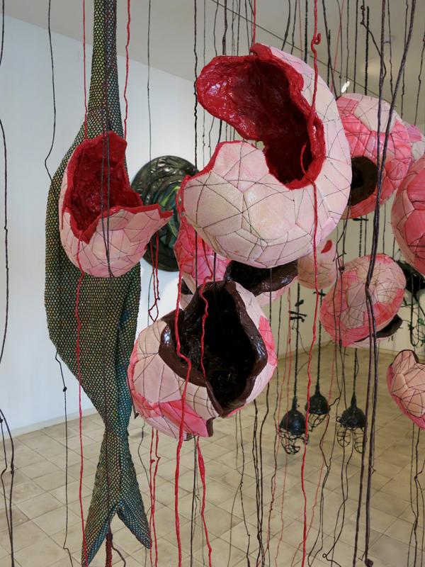 טל-שושן-בוץ-בעיניים-2015-תערוכת-יחיד-בגלריה-שלוש-תל-אביב-פרט9